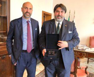 Il governatore Christian Solinas ha incontrato stamane il presidente del Cagliari Tommaso Giulini: «Il Club proiezione dell'Isola, risultati straordinari di squadra e dirigenti».