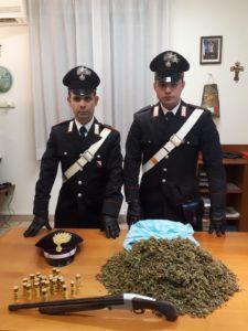 I carabinieri della stazione di Carbonia hanno arrestato un 38enne per reati di detenzione e traffico di sostanze stupefacenti e detenzione illegale di armi.
