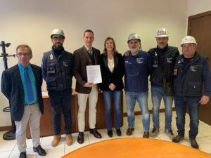Alessandra Zedda (assessore del Lavoro): «La Regione sostiene concretamente i lavoratori di Eurallumina nella fase transitoria che precede il riavvio dell'attività produttiva dell'azienda».