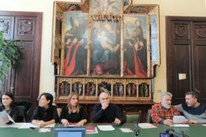 """E' stata presentata stamane, a Cagliari, la terza edizione di """"Tipicità"""", manifestazione in programma dal 19 al 23 dicembre alla Passeggiata coperta del Bastione Saint Remy."""