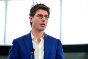 Ignazio Corrao (M5S): «La risposta della commissione UE conferma le nostre preoccupazioni sulla peste suina».