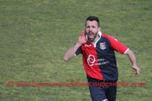 Un calcio di punizione di Samuele Curreli ha deciso il derby Cortoghiana-Monteponi.