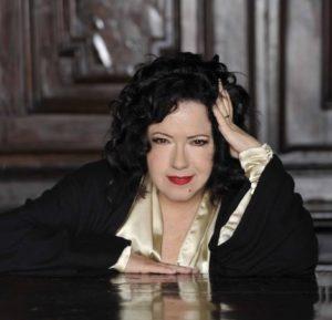 Antonella Ruggero canta La Buona Novella di Fabrizio De Andrè a Cagliari e Sassari