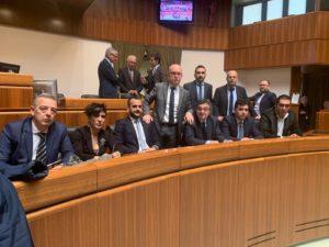 La minoranza ha occupato l'Aula del Consiglio regionale