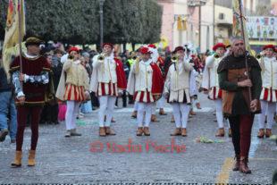 Grande partecipazione, sabato 15 febbraio, a Sant'Antioco, alla sfilata del Carnevale 2020