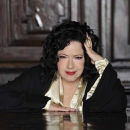 Antonella Ruggero canta la Buona Novella di Fabrizio De Andrè a Cagliari e a Sassari