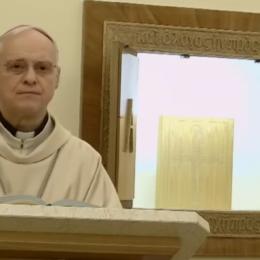 """Il vescovo di Alghero-Bosa Mauro Maria Morfino si reca in cimitero per il """"Venerdì della Misericordia"""""""