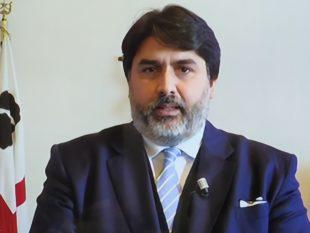 Due nuove ordinanze del presidente della Regione, dal 4 luglio, consentono gli sport di contatto e di squadra e le processioni religiose