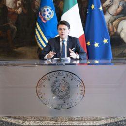 Il Premier Giuseppe Conte ha annunciato in serata la chiusura di tutte le attività produttive non strategiche