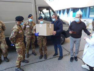 10.000 test diagnostici sono arrivati al porto di Cagliari dalla Croce Rossa