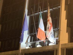 """Strage di Capaci: un """"drappo bianco di luce"""" sulla facciata del Consiglio regionale della Sardegna"""