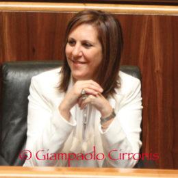Alessandra Zedda: «La Regione è impegnata per prorogare di sei mesi la cassa integrazione ai lavoratori del Porto Canale»