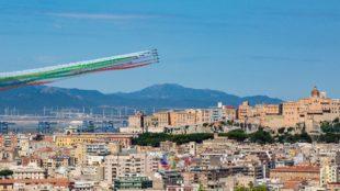 Le frecce tricolori stamane hanno sorvolato Cagliari per le celebrazioni del 74° anniversario della proclamazione della Repubblica