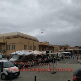 Lunedì ripartono molte attività commerciali, alcune a Carbonia sono già ripartite, com'è il caso degli operatori dei mercati settimanali