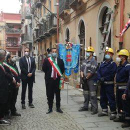 Iglesias stamane ha commemorato le 7 vittime dell'Eccidio dell'11 maggio 1920