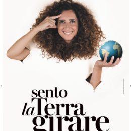 """Rinviate le recite di """"Sento la Terra girare"""", lo spettacolo di Teresa Mannino previsto a Cagliari il 7 e l'8 maggio"""