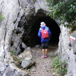 Anche sotto la pioggia battente dei giorni scorsi è proseguito il Cammino Minerario di Santa Barbara dei pellegrini Nicoletta e Sandro