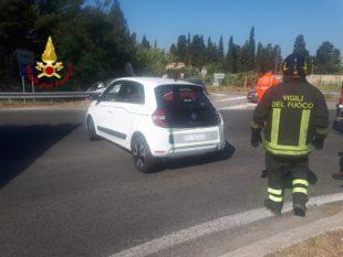 Due auto sono rimaste coinvolte in un incidente, stamane, sulla SS 130, uno dei conducenti è stato ricoverato in codice rosso