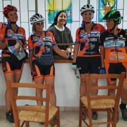 Cinque donne sono partite ieri sera in mountain bike per percorrere interamente la ciclovia del Cammino Minerario di Santa Barbara
