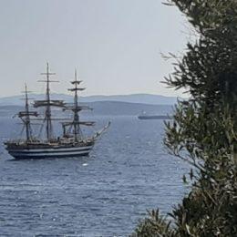 E' all'ancora di fronte a Maladroxia, l'Amerigo Vespucci, la meravigliosa Nave Scuola della Marina militare italiana