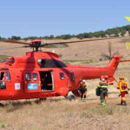 """Incendioa fine mattinata a Calasetta, in località """"C. Falchi"""", sul posto un elicottero della base di Marganai"""