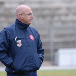 Marco Mariotti è il nuovo allenatore del Carbonia Calcio. Nell'ultima stagione ha guidato la Torres al terzo posto in serie D
