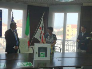 Il Rotary Club di Iglesias ha donato tre defibrillatori ad altrettanti istituti scolastici cittadini