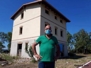 Tratalias: da vecchia stazione ferroviaria dismessa in B&B, un sogno che da 20 anni si scontra con la burocrazia – di Federica Selis