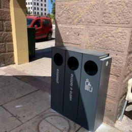 Il comune di Carbonia ha aumentato la dotazione di nuovi cestini portarifiuti in città e nelle frazioni
