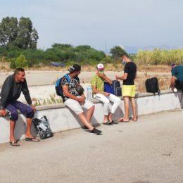 Sbarcano in 12 sulla spiaggia di Is Pruinis e si disperdono per il paese. Scattate le ricerche, sono stati tutti intercettati