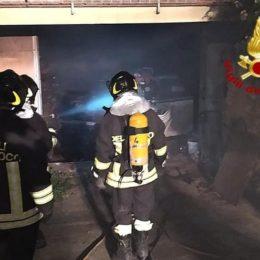 Guasila: prende fuoco uno scantinato, sul posto i vigili del fuoco