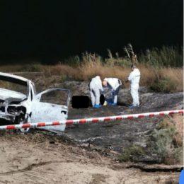 Aveva trascorso la serata in compagnia di amici, l'uomo il cui cadavere carbonizzato è stato rinvenuto ieri sera a Porto Botte