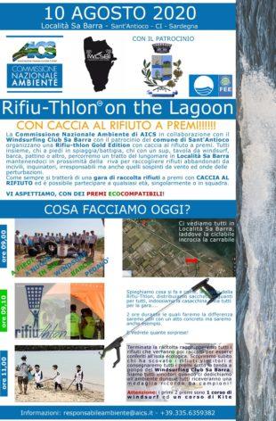 """I volontari hanno ripulito le spiagge in località Sa Barra, con l'inedita gara di raccolta rifiuti """"Rifiuthlon"""""""