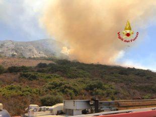 Ancora incendi nel Sulcis Iglesiente, stamane le fiamme hanno investito le campagne di Masua