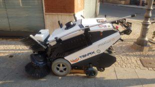 Una nuova macchina per l'attività di pulizia delle strade di Iglesias