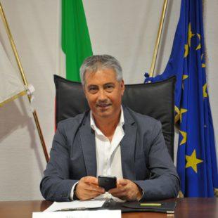 Il sindaco uscente Mariano Cogotti, alla terza candidatura, capeggia l'unica lista presentata al comune di Piscinas
