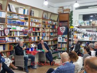"""Luca Telese ha presentato a Carbonia """"Cuori rossoblù"""", una storia ambientata nel calcio, ma non una storia di calcio, una storia di uomini"""