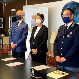 E' stato firmato, a Cagliari, il protocollo d'intesa fra Polizia di Stato e SOGAER per il contrasto ai crimini informatici delle infrastrutture