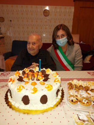 San Giovanni Suergiu: Eraldo Secchi ha tagliato oggi il traguardo del 104° compleanno, in una condizione di eccellente lucidità!