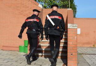 Un artigiano 59enne di Iglesias, è stato deferito in stato di libertà dai carabinieri per violazione di sigilli ed alienazione di un bene sequestrato