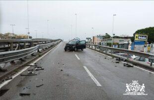 Cagliari: auto sbatte contro un guard rail nell'asse mediano, una donna in ospedale