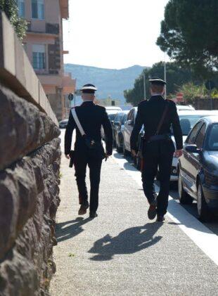 Una badante 51enne, a Carbonia, è stata denunciata per furto aggravato e continuato ai danni del pensionato 80enne per il quale prestava servizio