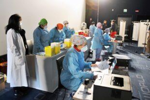 È iniziato stamane, al CineWorld di Iglesias, il programma di somministrazione del vaccino anti Covid-19 Pfizer-BioNtech a 1.080 operatori sanitari